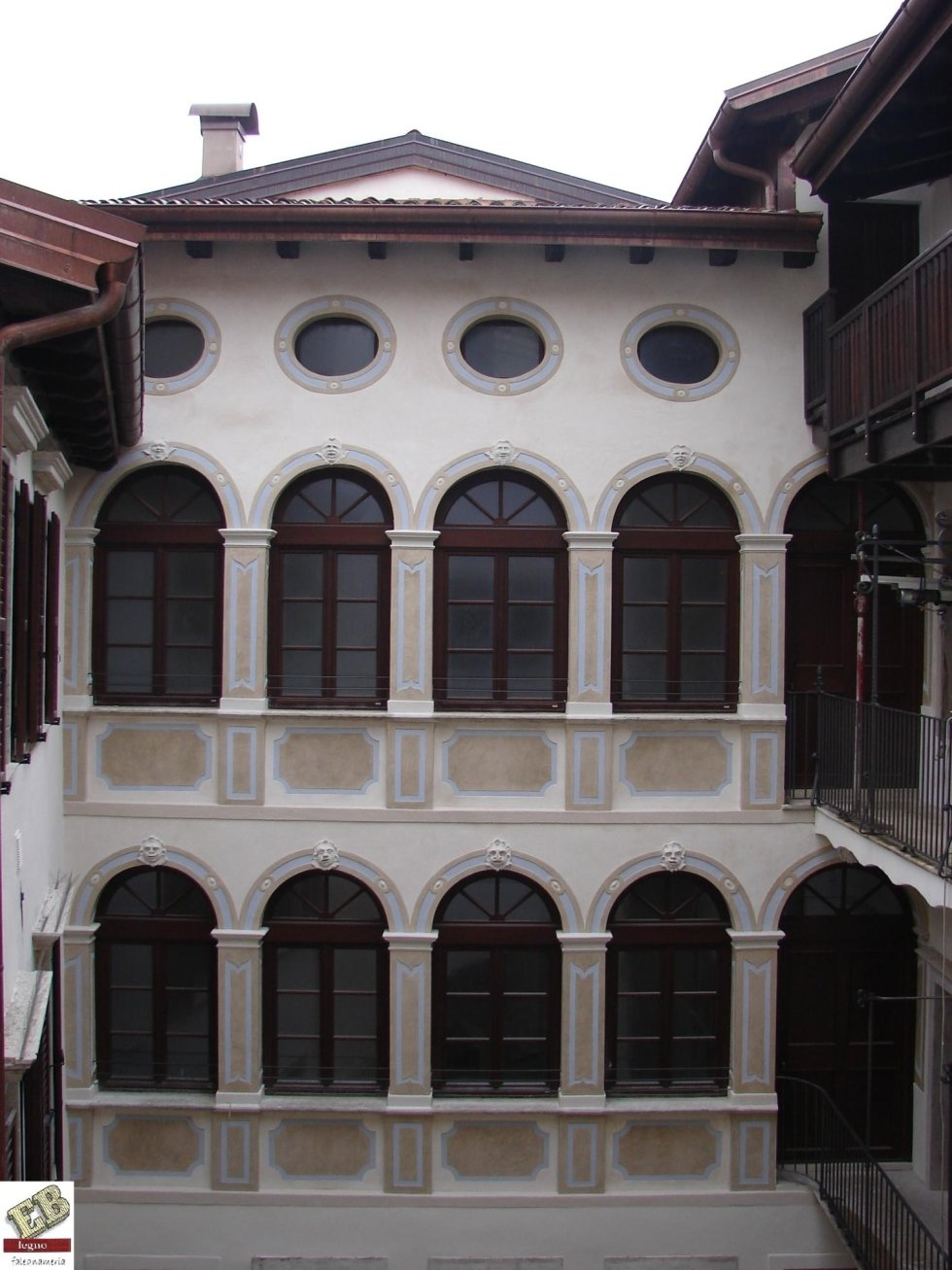 particolare serramenti Palazzo centro storico