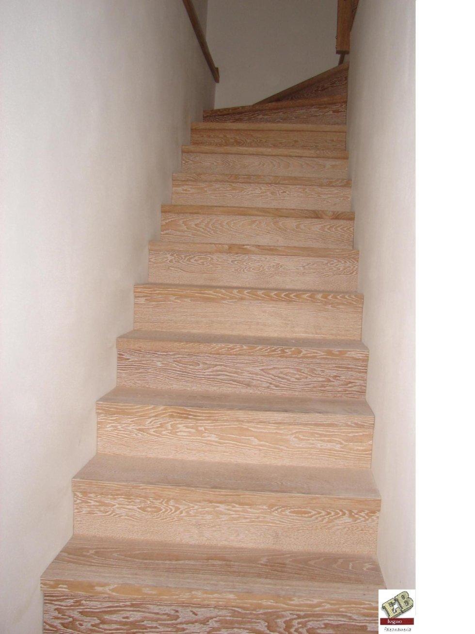 scala in legno  per interno