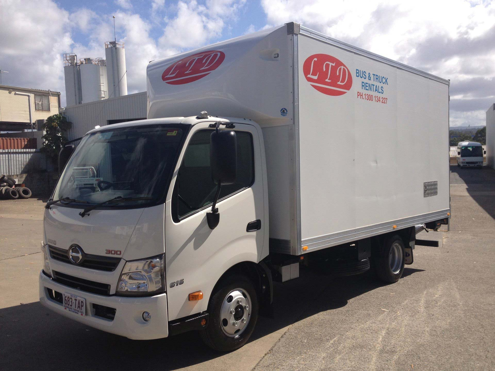 Truck for hire used by the removalist in Gold Coast