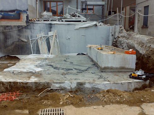 Effettuiamo il taglio con filo diamantato di strutture in calcestruzzo.