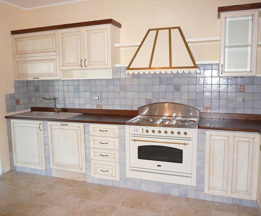 Produzione Cucina in legno su misura