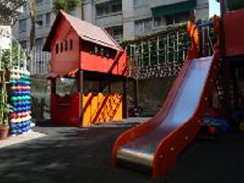 spazio giochi, aula per giochi, intrattenimento