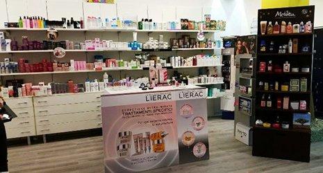 Interno del nostro negozio, cosmetici, Parafarmacia Dott.Germano, Comiso, Ragusa