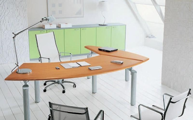 Scrivania e mobili ufficio