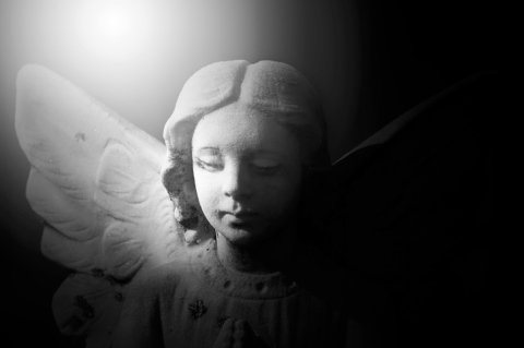 Statua angelo scolpita a mano