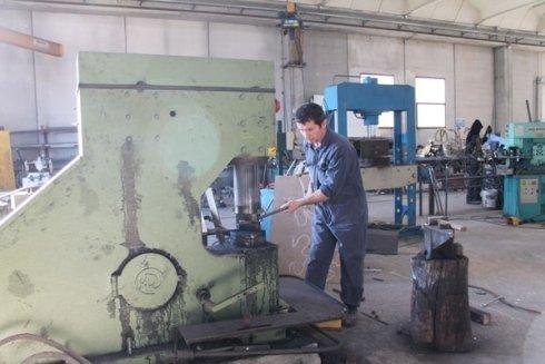 produzione arredi metallici