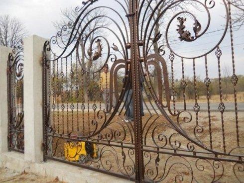 cancello decorato