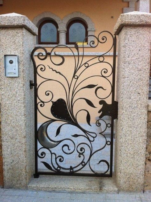 cancelli con decorazioni