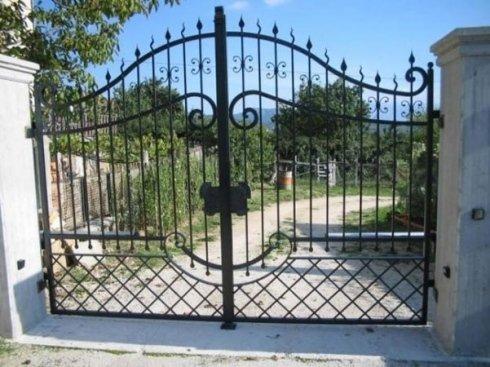 cancello con punte