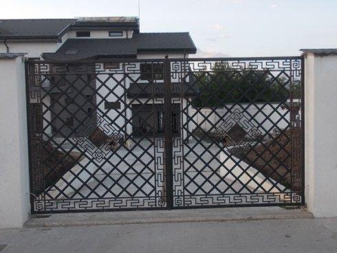 cancello con greche