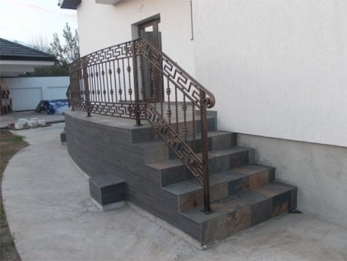 ringhiera perimetro facciata