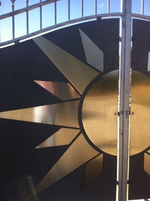 dettaglio cancello sole