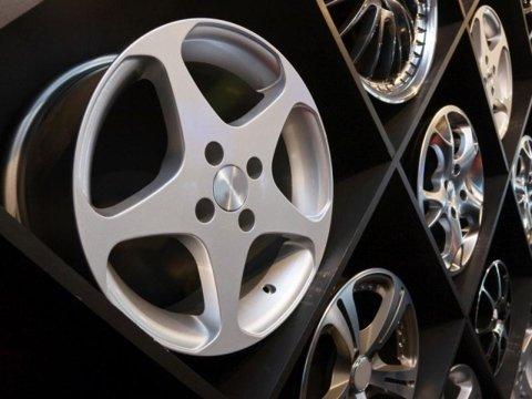pneumatici e cerchi in lega