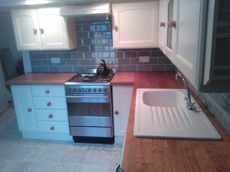 kitchen cooktop tiles