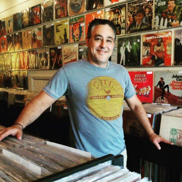 Inner Groove Records owner, Dave Frankel