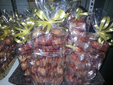 pacchi regalo con cioccolatini