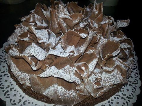 torta con sfoglia di cioccolato