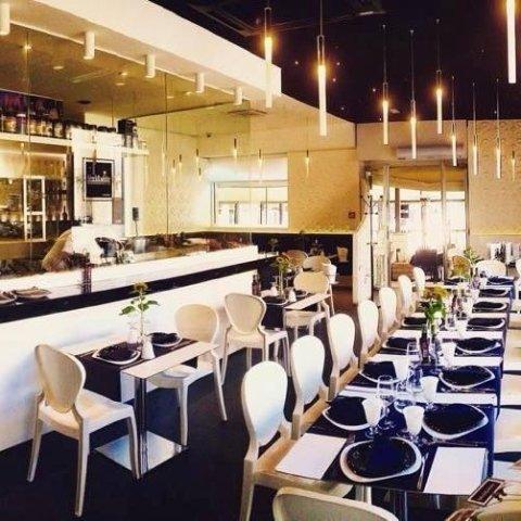 ristorante black e white
