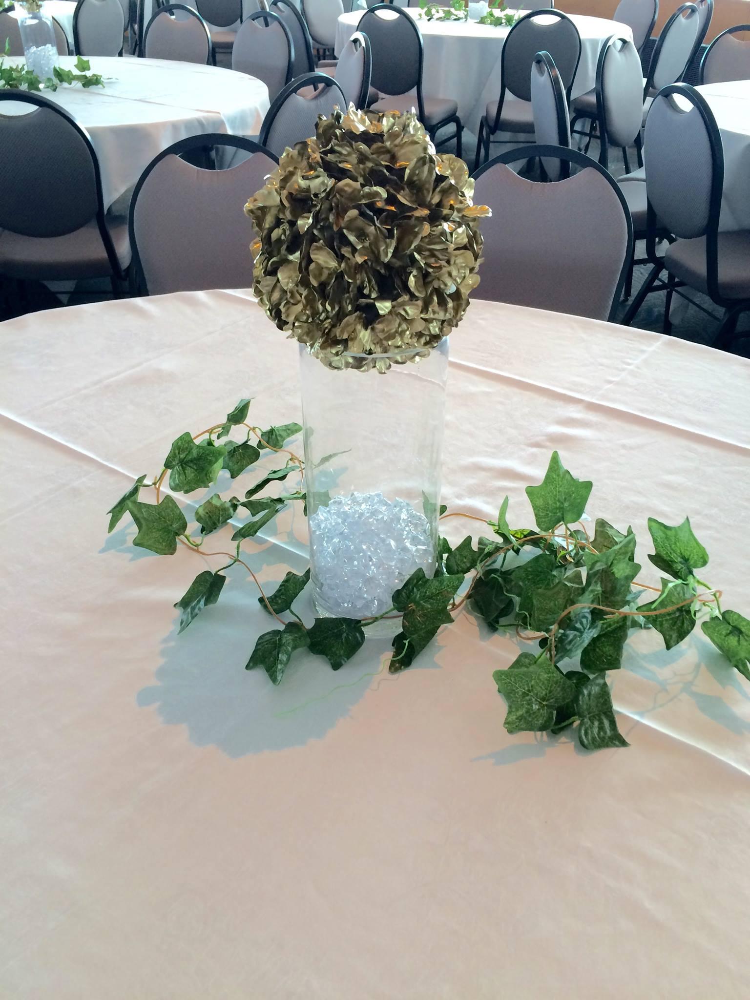 Gold flower ball and ivy garland centrepiece