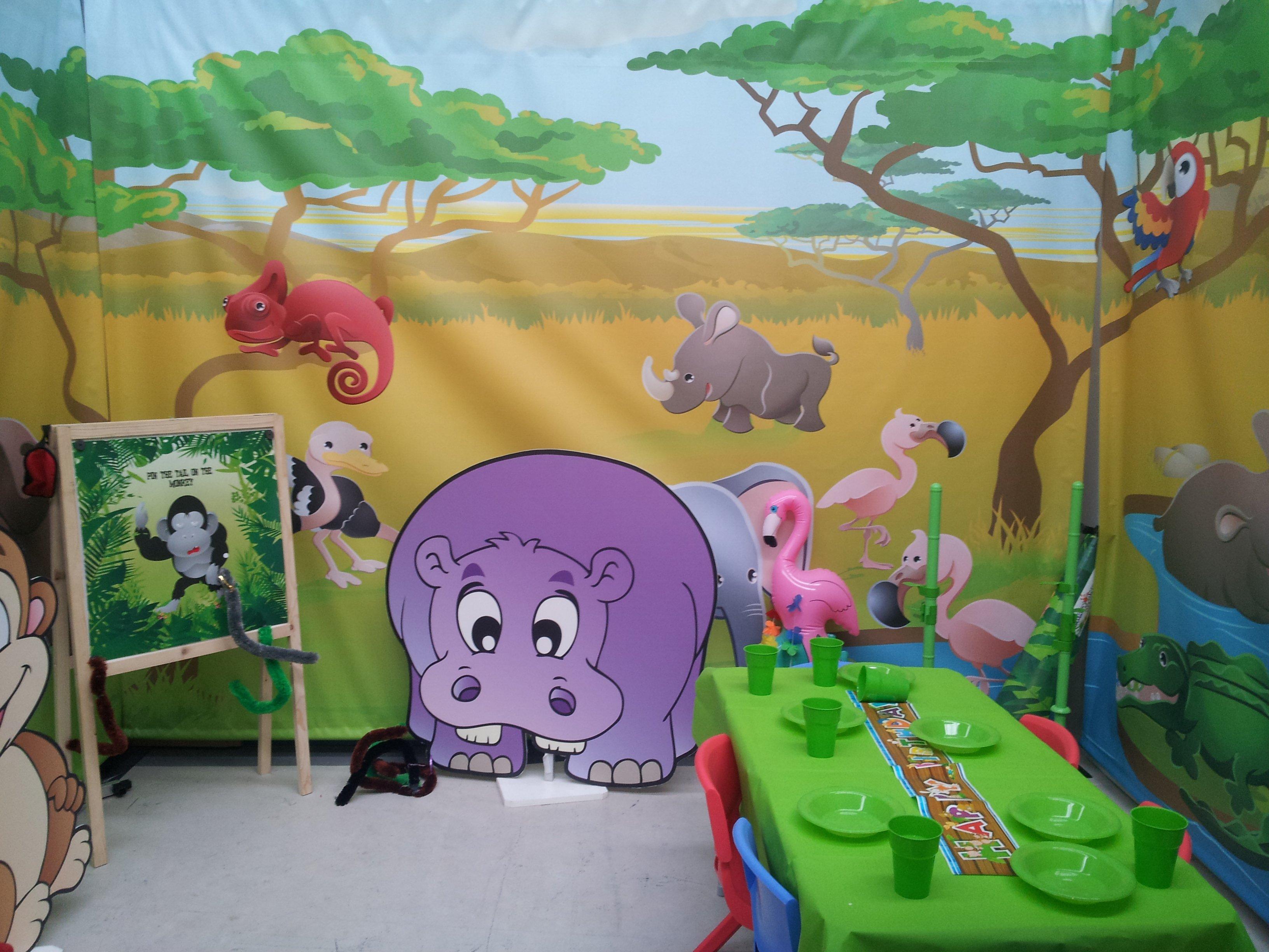 Jungle Centre Backdrop
