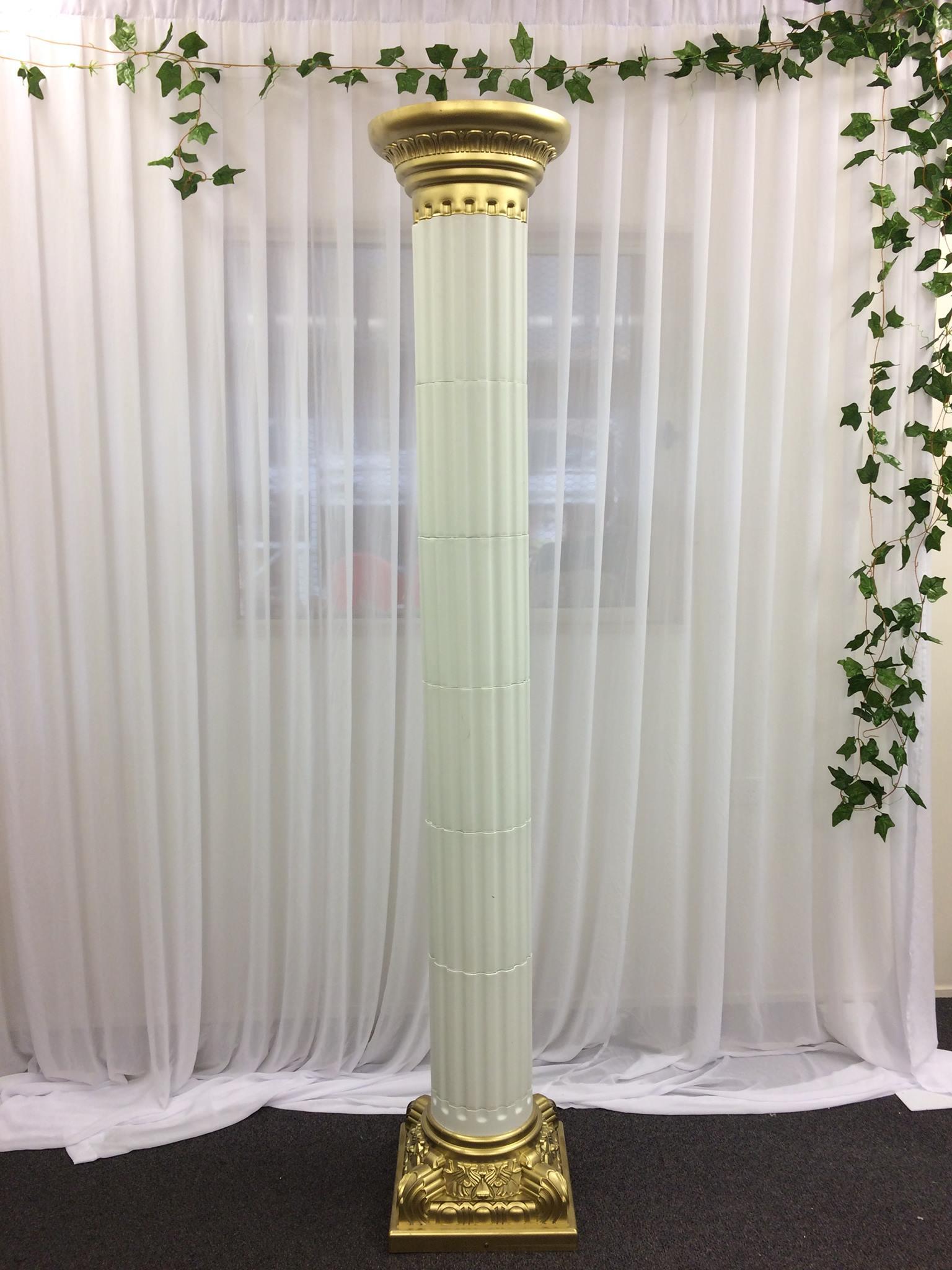 Gold and white roman column/