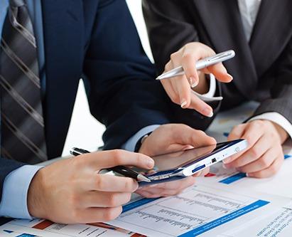 Professionals preparing the tax returns in Lincoln, NE