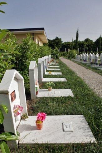 esteso campo per cimitero animali