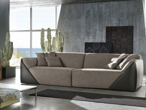 divano seduta alta color sabbia