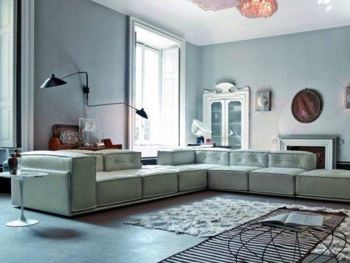 divano bianco grandissimo