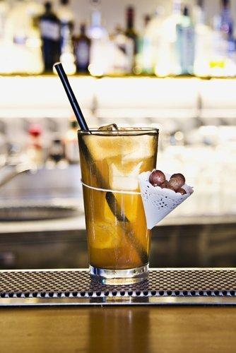 bicchiere cocktail al banco