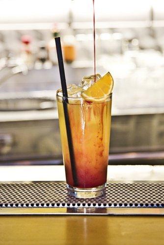 long island su un bancone di bar