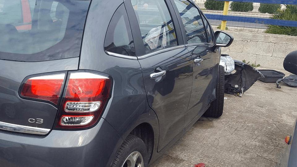 carro attrezzi per autoveicoli incidentati