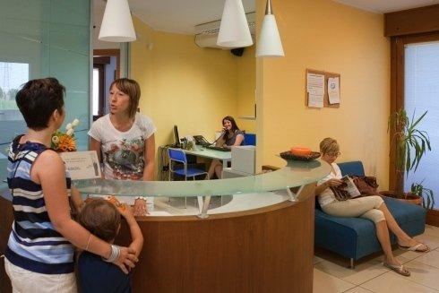 Sala d'aspetto STUDIO DENTISTICO GOBBATO