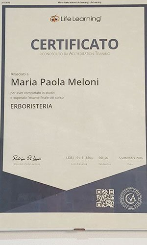 certificato a nome Maria Paola Meloni con scritto erboristeria