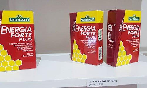 diverse confezioni di color rosso e giallo con scritto Energia Forte Plus