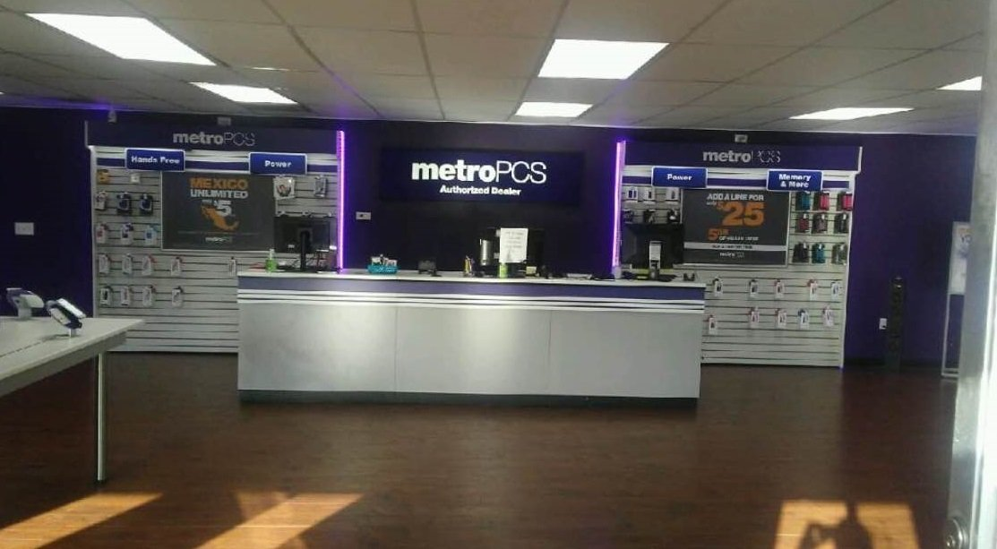 Complete MetroPCS in New York Store Locator. List of all MetroPCS locations in New York. Find hours of operation, street address, driving map, and contact information.