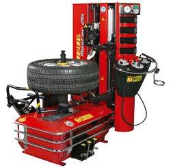 un pneumatico su un macchinario