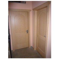 realizzazione porte, porte in legno pregiato