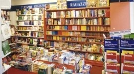 libri illustrati, dizionari, testi di preparazione a concorsi
