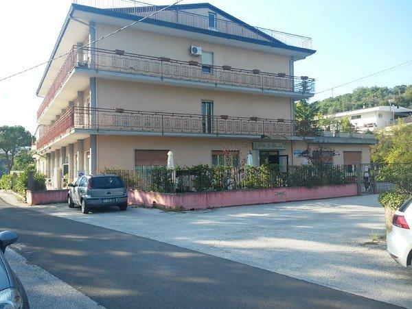 facciata casa di riposo con balconi
