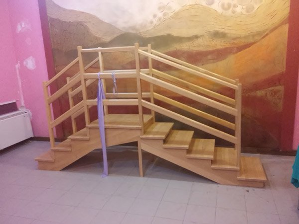 scale per esercizi in una casa di riposo