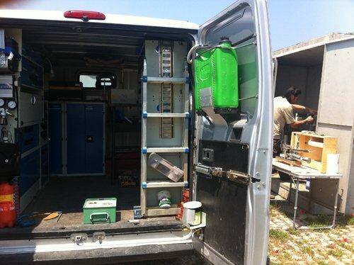 attrezzature all`interno del camion