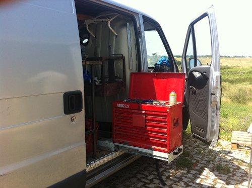 camion con attrezzature per misure gas