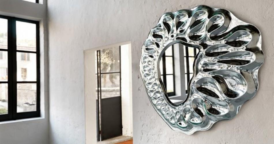 Specchiera decorata