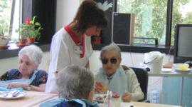 igiene quotidiana anziano, alimentazione anziano, servizio sociale, consulenze familiari