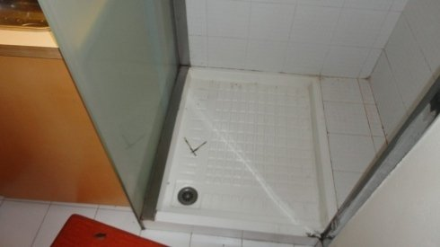 sovrapposizione piatto doccia