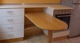 manufatti in legno, tavoli in legno, piani da cucina in castagno