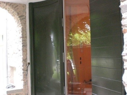 porte in legno verniciato