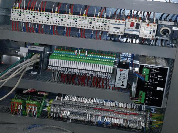 riparazione montaggio installazione quadro elettrico