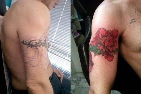 Mascherare vecchi tatuaggi